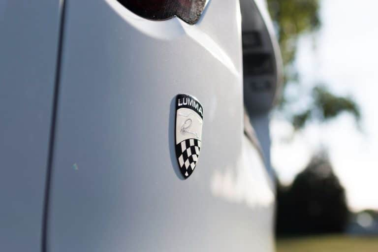 Badges and exterior accessories